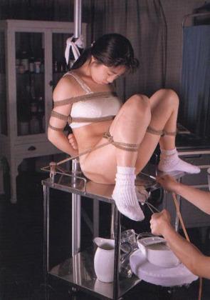 無修正ロリエロ動画像 ■【美少女SM】女子●生を緊縛・拘束してマ●コを凌辱調教する♪