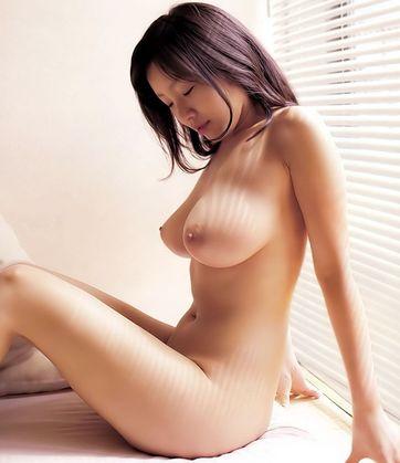 巨乳・美乳画像 巨乳熟女のスケベな画像