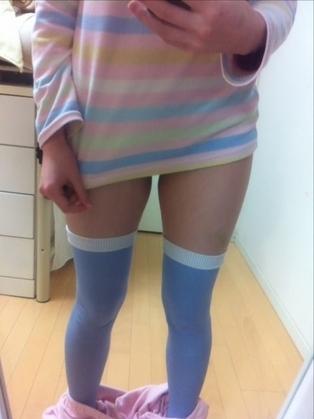かわいいパジャマや部屋着姿の素人エロ画像25