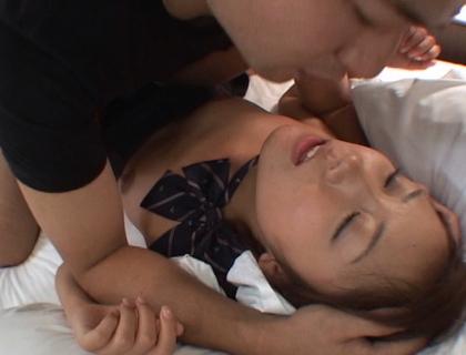 朝まで制服美少女と性交 一晩中、制服と密着挿入 4時間 - SOKMIL(ソクミル)