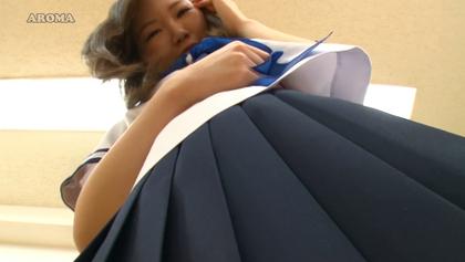 大胆パンチラ番外編 スカートの中に潜り込みたい! 超接近型挑発P - SOKMIL(ソクミル)