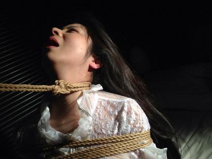 【SM☆緊縛凌辱】初めての緊縛に怯える少女が恍惚の表情に変わる時! - SM・緊縛・調教・浣腸画像