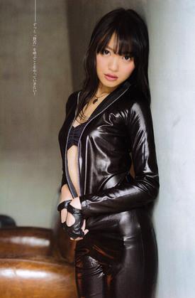 山本彩セクシーエロ画像 32