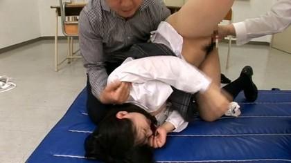 精飲肉便器にされた女子校生 木村つな