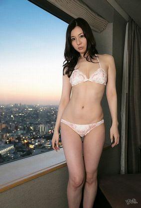 辰巳ゆい Fカップ美巨乳のお姉さん画像 130枚