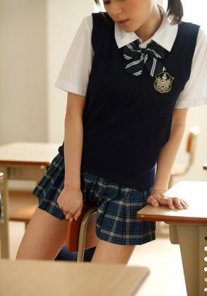 かわいいい女子高生の色っぽい画像ください。 エロてん国