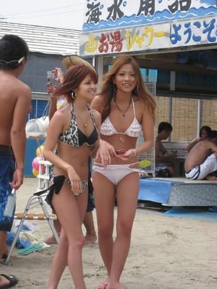 ☆真夏のビーチ情報☆素人ギャルのエロビキニ!夏の名残の日焼け跡♪ P2 - 水着画像