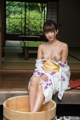 AV女優【紗倉まな】、全裸ヌードを Twitter に投稿 ♀゛