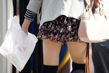 【ニーソックス画像】ミニスカートやショートパンツで絶対領域太ももを晒す素人エロすぎ勃起したwww