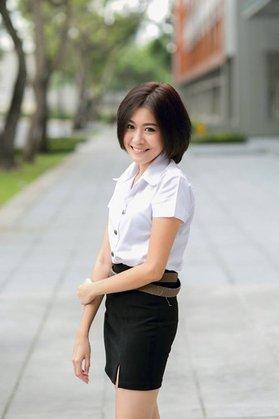 タイの女子大生の激エロ制服ファッション (6)