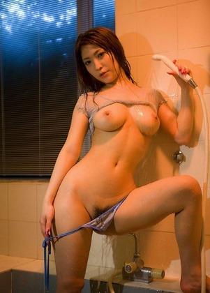 シャワーで濡れてエロ過ぎる美女画像まとめ6