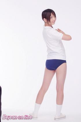 貧乳グラドル鈴木咲の尻アピール画像まとめ エロ尻をまとめてみた