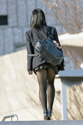 【三次画像】黒タイツを履いた女の子のエロい画像ください | これはエロい速報