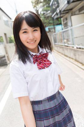現役高校生AKB48メンバー小嶋真子が最近やたらと可愛くなってきた気がするので集めてみた制服姿23枚