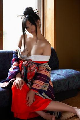 ちょっとエッチな写真集  【No.430】 クォーター美人の着物ヌード♪