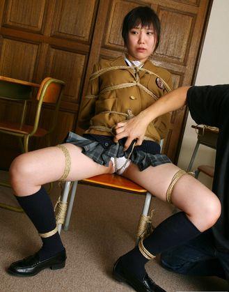 女子高生 緊縛 縄 女子高生の制服を着て縛られるJK風緊縛