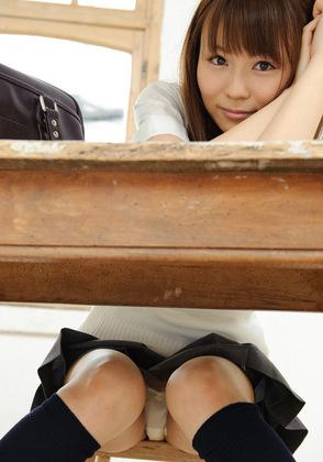 絶世のSSS級美少女JK娘が魅せる机の下純白パンチラに神様も脱帽