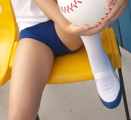可愛いJKの体操服ブルマ姿に上履きがないと画竜点睛を欠くエロ画像 | エロの瞬間まる見え画像~女子高
