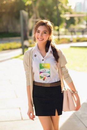タイの女子大生の激エロ制服ファッション (7)