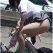 パステル女学園 更新情報 【画像】風でJKのスカートがめくれ上がる画像