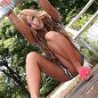 M字開脚でオナニーをする女の子。中指挿入でクリいじり 美脚大魔王-足フェチとパンスト画像-