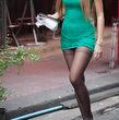 【乳尻腿】美脚のお姉さんがパンストはくと美脚度とエロ度が増す件…パンチラあり(;´Д`)ハァハァ 萌