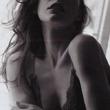 女優 ミラ・ジョボビッチのセクシーショット画像
