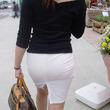 白いタイトスカート・パンツから透けるパンティーライン : チラリズム-パンチラ・胸チラ・ブラチラ・乳